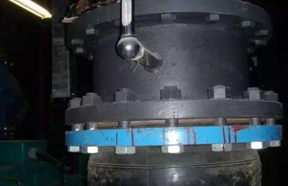 塑料管道法兰连接,螺栓起到重要的作用